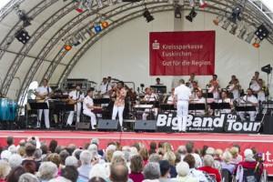 Ob Swing, Rock, Pop oder Latin: Die Bundeswehr BigBand beherrschte alle musikalischen Richtungen. Bild: Tameer Gunnar Eden/Eifeler Presse Agentur/epa