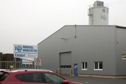 """Am NEW-Standort Zingsheim werden Saunen gebaut, am Mittwoch, 11. November, findet dort auch das nächste Unternehmerfrühstück """"viertelvoracht"""" statt. Bild: Nartano Petra Eden/Eifeler Presse"""