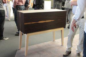 Der zweite Preis ging an Benjamin Bonzelet für diesen Barschrank in Ziricote. Bild: Michael Thalken/Eifeler Presse Agentur/epa