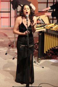 Überzeugte durch ihre große stimmliche Bandbreite und Ausdruckskraft: Sängerin Sevine Abi Aad. Bild: Michael Thalken/Eifeler Presse Agentur/epa